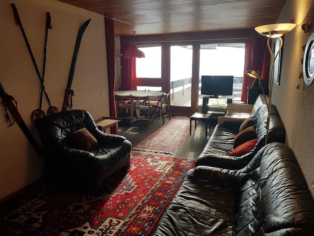 Spacious Apartment - with view near Crans-Montana