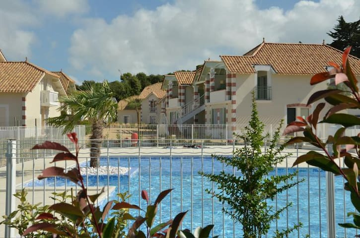 Appart 2 chambres, piscine privée, plage et Forêt. - Notre-Dame-de-Monts - Apartament
