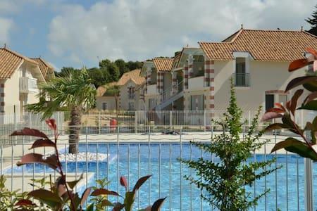 Appart 2 chambres, piscine privée, plage et Forêt. - Notre-Dame-de-Monts - Flat