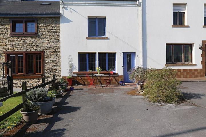 La petite maison en Gaume. - Florenville - Hus