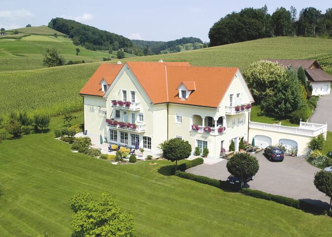 Appartment-near the SPA Therme Loipersdorf