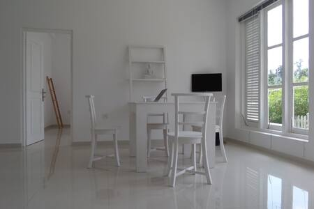 White Villa Room No.2 - Ambalangoda
