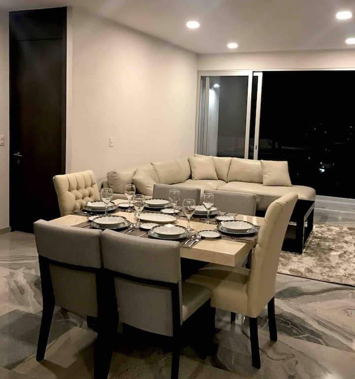 Luxurious apartment with the best location
