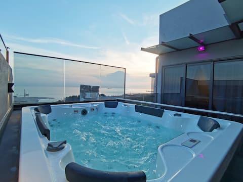 ✦ATTIC✦Private Pool Luxury Family Suite [NETFLIX]