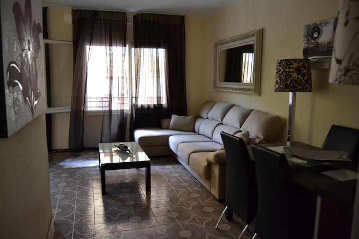Habitaciones Dobles.  Apto Familias - L'Hospitalet de Llobregat - Flat