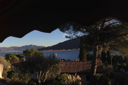 House on Lake Iseo - Sarnico - Дом