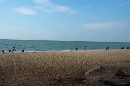 Beachfront  By The Sea@Batu Ferringhi Penang