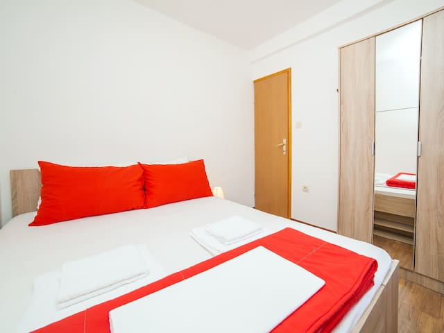 Apartments Ana - Standard One Bedroom Apartment - Kotor - Hus