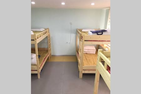 太原在路上青年客栈男生六人间床位 Bed in Six Bed Male Dorm - Taiyuan Shi