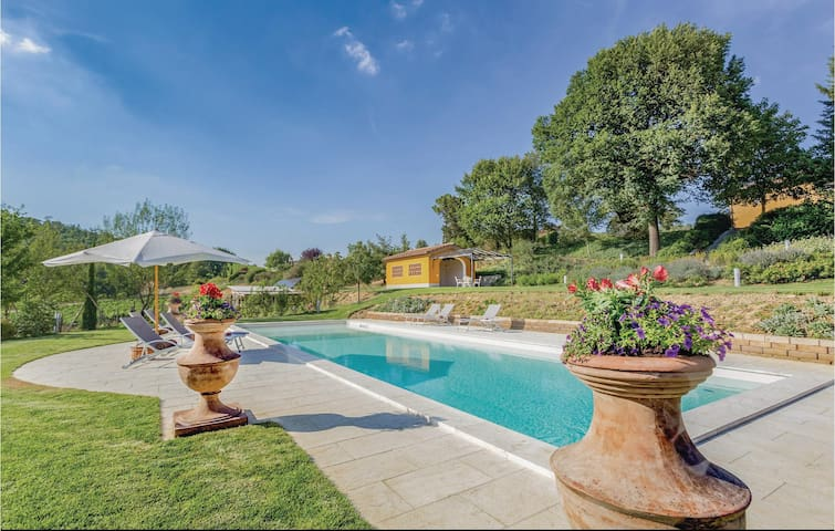 Holiday cottage with 6 bedrooms on 260m² in San Piero a Sieve FI