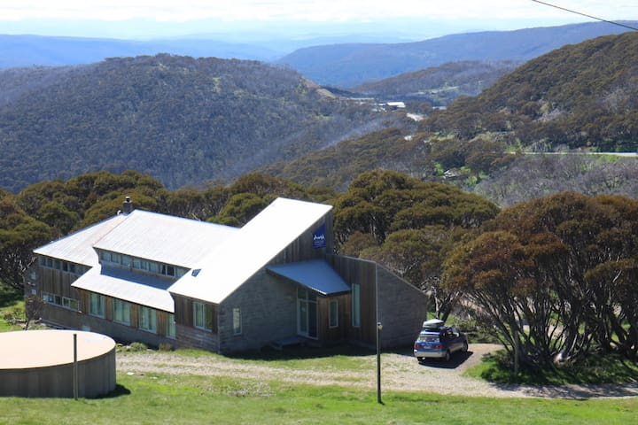 Alpine Dreaming - Whole Lodge (Green Season) - Hotham Heights - Bungalo