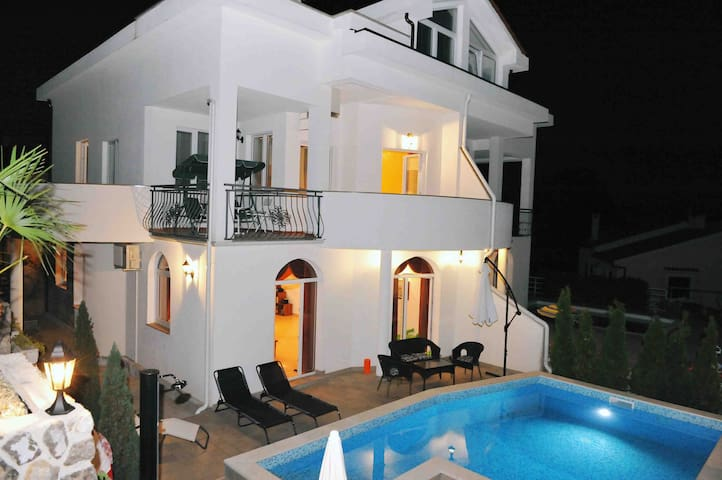 Newly Built Villa Perla with pool - Veprinac - Villa