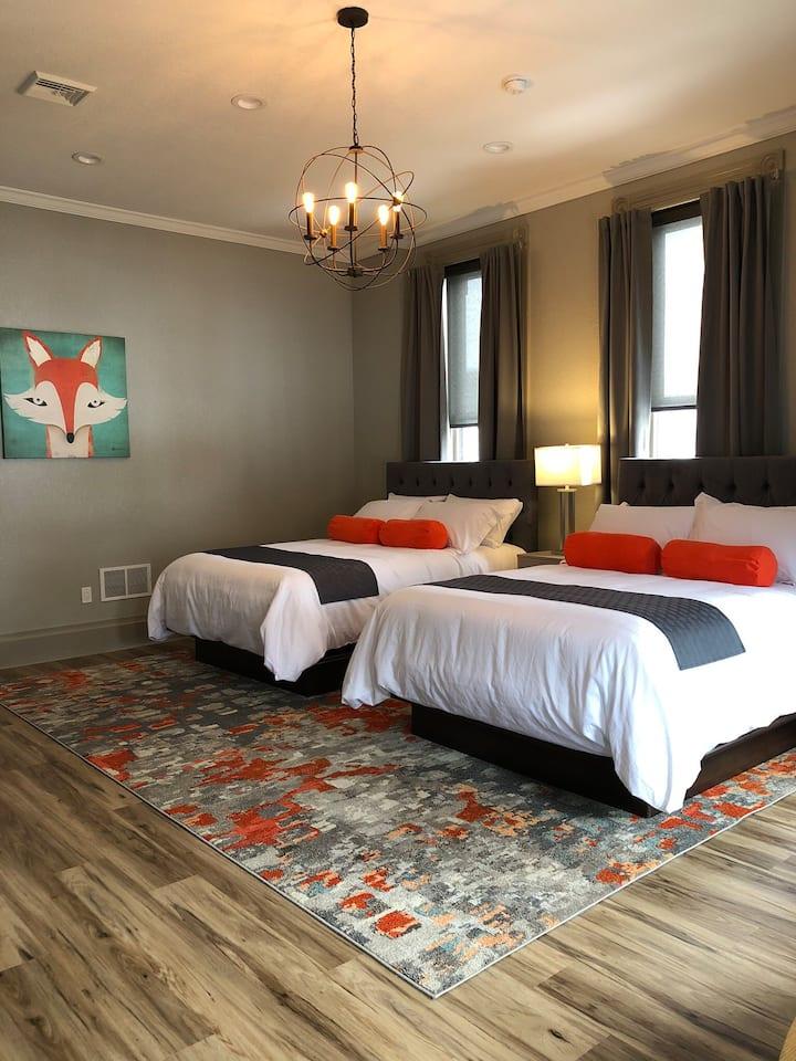 Unique Victorian era Hotel ( suite 1)
