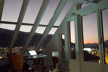 luxurious glass roof apt- tromsos best view
