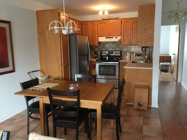 fully equipped kitchen, great appliances