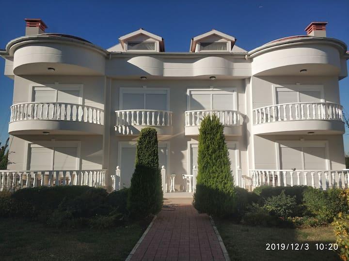 Holiday Villa in Comunity