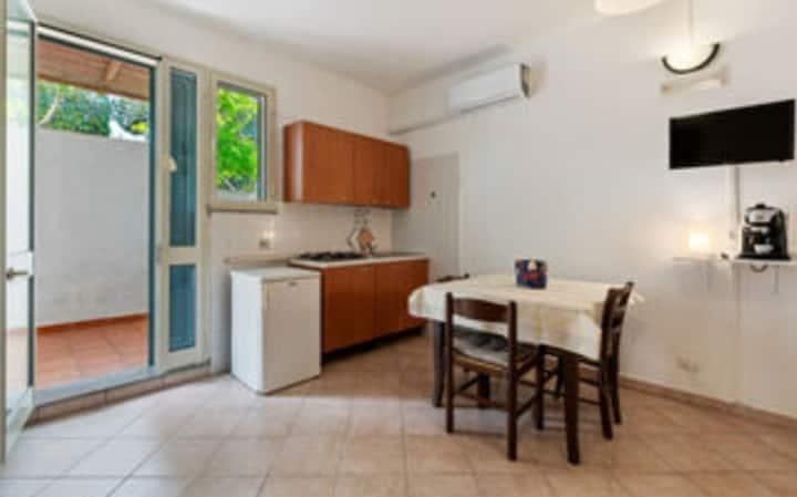 Monolocale ampio Alimini Home