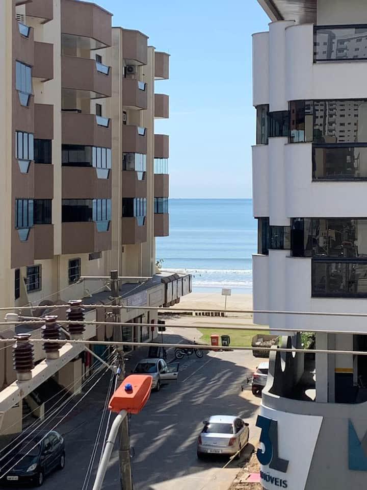 Apartamento Central com Vista Mar na Meia Praia