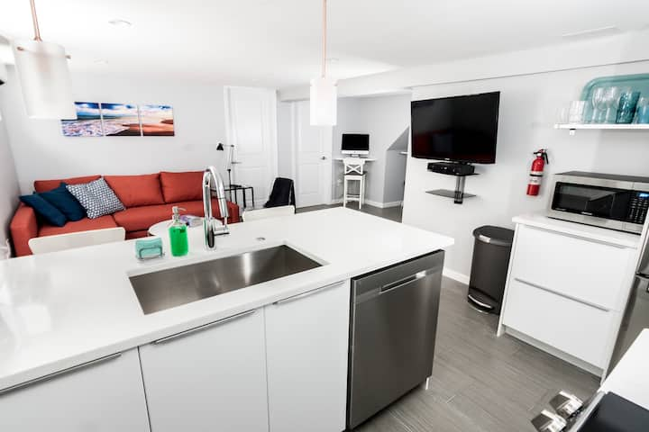 New modern apartment by Friendship Heights Metro