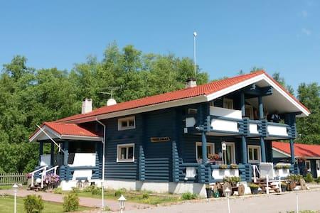 Villa Kuusalu (hirsitalo)vuokraa koko talo 177m2