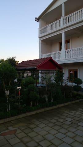 Family Hotel - Kobuleti