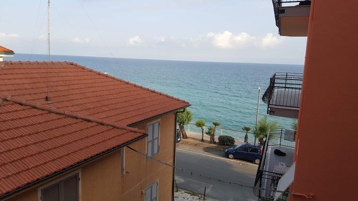 La tua casa in Riva al mare