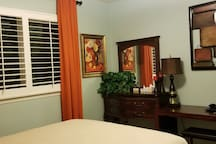 Peaceful Upstairs Bedroom in Winchester/Temecula