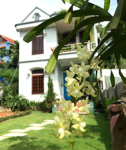 Cozy Mango Room in Gingerhomestay - tp. Hạ Long - Casa