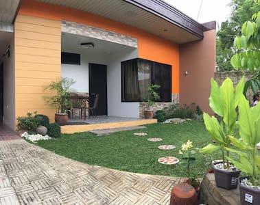 Entire Home (good for 11pax) - Lipa - Casa