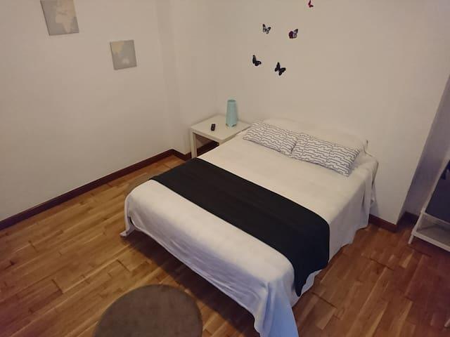 Amplia habitación en Valladolid