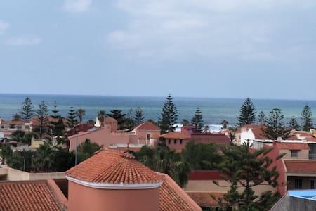 villa terrasse jacuzzi vue mer à 100m de la plage