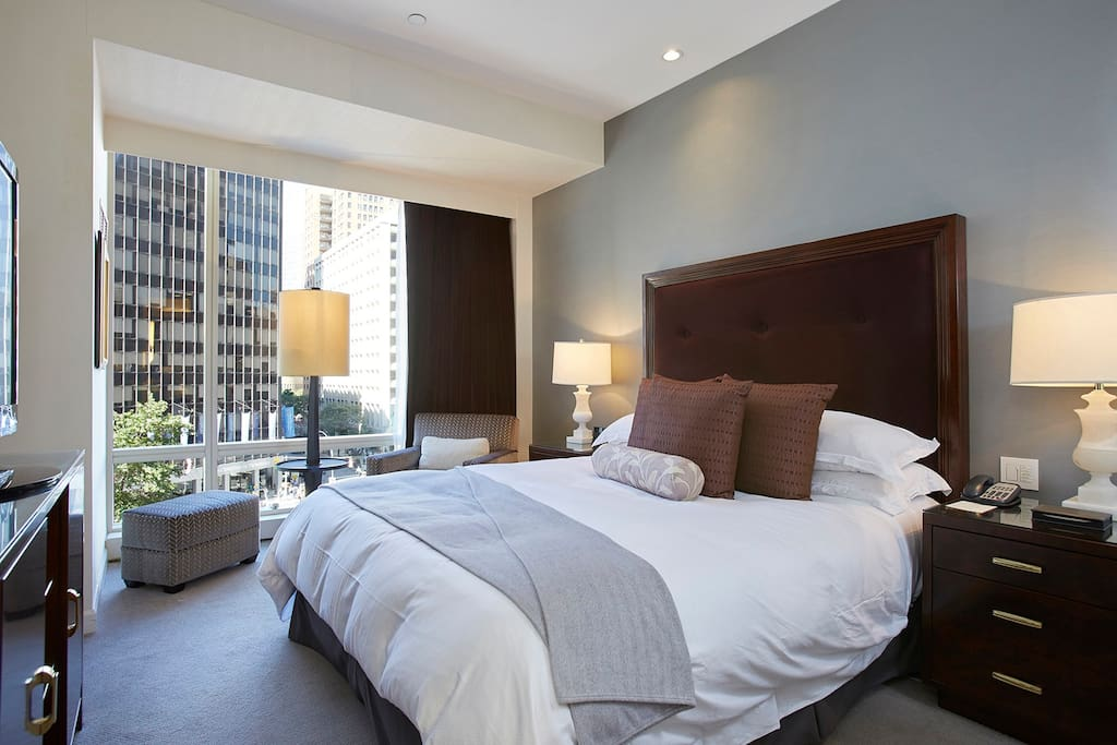 Master bedroom suite with TV, Broadway view