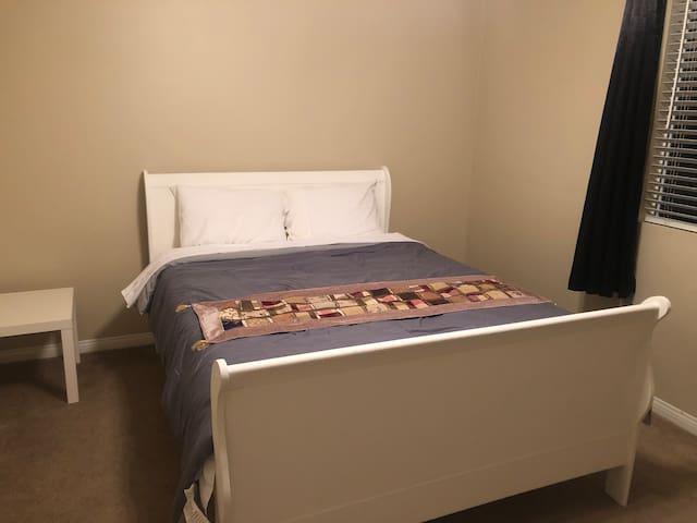 Quiet & Comfortable Room1 first floor/一楼安静舒适的私享空间