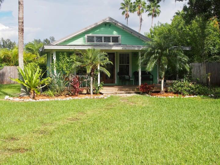 Banyan Grove Cottage