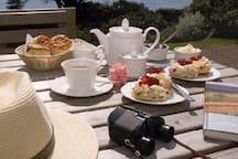A proper Cornish cream tea!