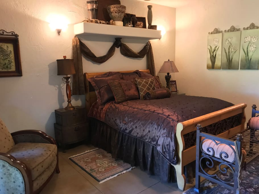 Comfy queen size bed.   Each room has a private balcony and a fireplace!