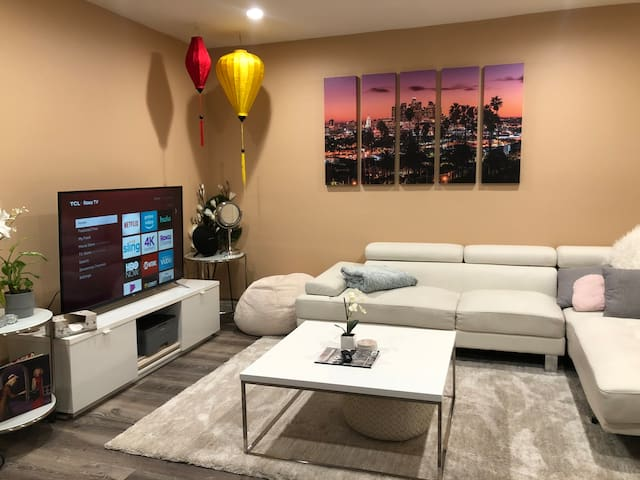 Newly remodeled chic 2br1ba in LA