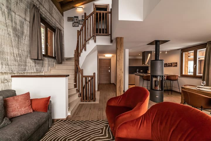 Brand new 4 bedroom chalet with amazing views