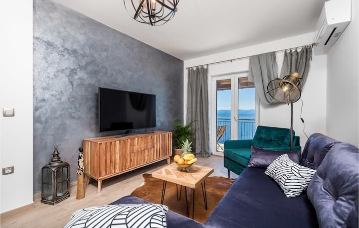 Beautiful apartment in Lovran with WiFi and 1 Bedrooms
