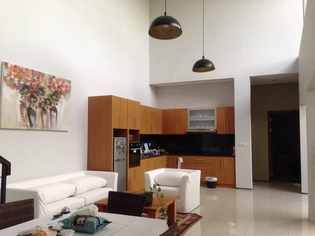 Quiet and cozy room near to Benoa port