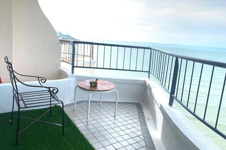 La classicCo Seafront Suites@Paradise2316