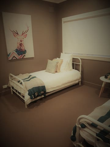 Kids Bedroom with Trundle