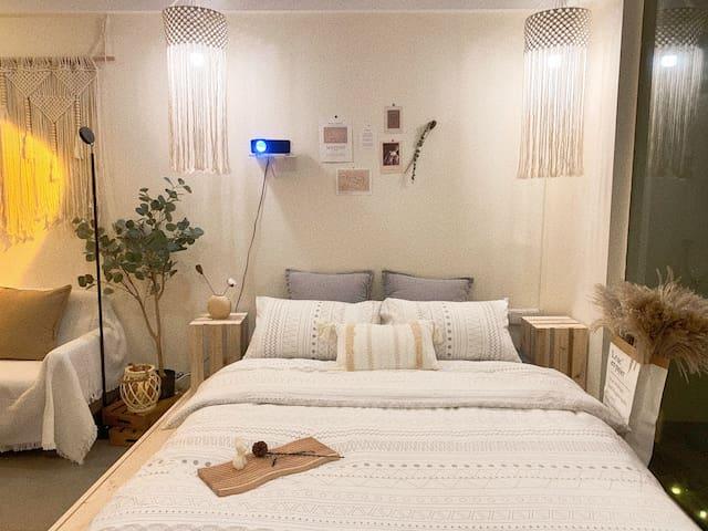 睡觉乃人生头等大事儿,精心挑选高舒适度床品,让你的睡眠得到满足…