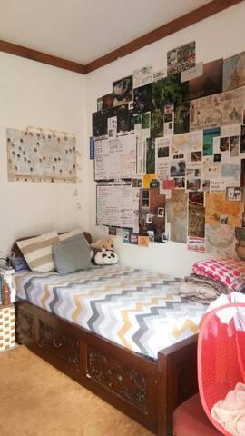 Friendly rent room for girl's getaway
