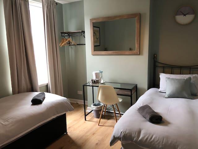 Lark Rooms - Room 2
