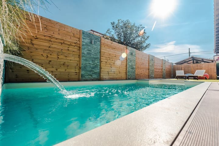 Luxury Villa with pool in Rome - Roma - House
