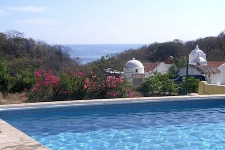 HUATULCO: BEST VALUE OCEAN-VIEW & BEACHFRONT! - Oaxaca - Huvila