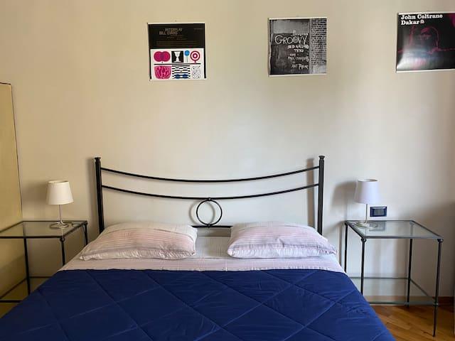 your room in Arezzo/ la tua camera ad Arezzo