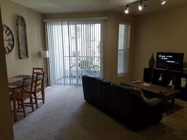 Great apartment in the heart of Marina del Rey.