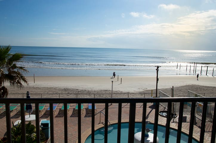 Beautiful Ocean View Studio in Daytona Beach!